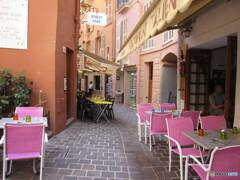 モナコ 可愛いイス