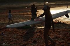 Evening surfer girl2