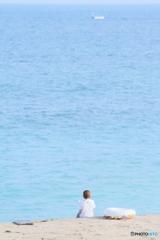 青い海を眺めて