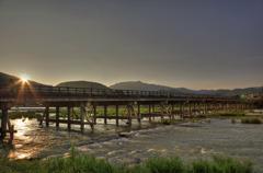 夕暮れの渡月橋