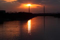 太陽の塔 (富津運河)