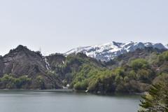 春の田子倉湖1