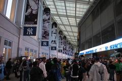 新球場内のLegend of Fame超かっこいい垂れ幕です。