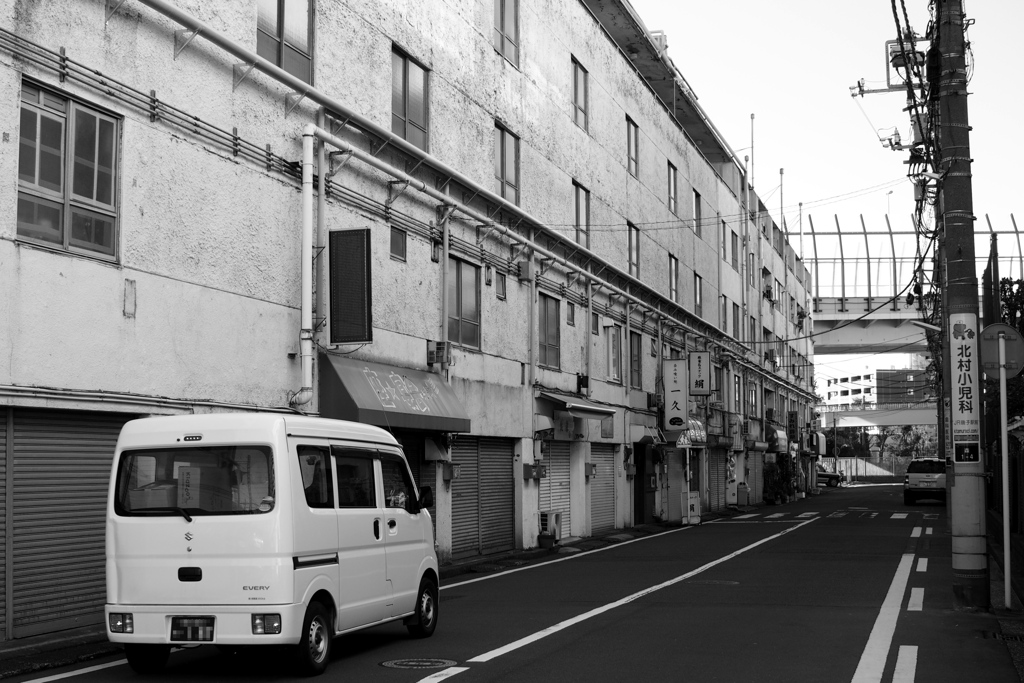 「磯子駅あたりで04」