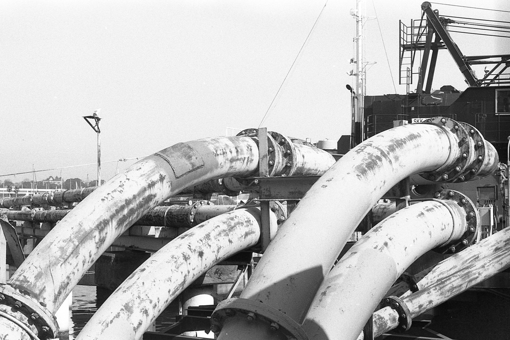 「pipes」 (film)