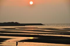真玉海岸2020 2月-1 夕陽とLady