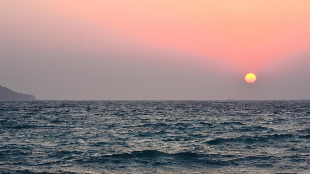 鐘岬2021 2月-5 夕陽と玄界灘