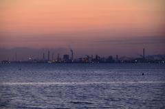 別府湾2021 3月-1 日の出前の製鉄所