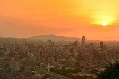 K市2020 6月 夕陽と都市