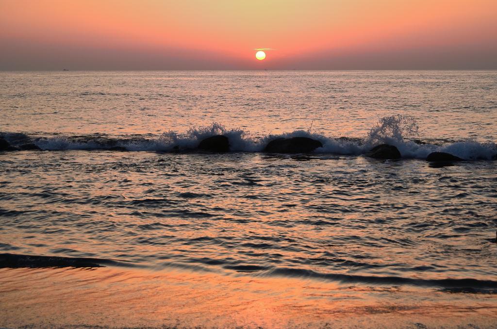 櫻井二見が浦2021 4月 夕陽と渚