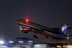 Jet airliner
