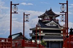 赤い橋の城