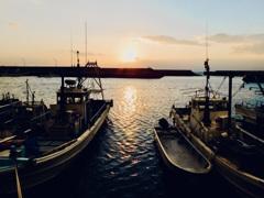 漁港の夕刻