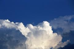 綿飴のような積乱雲
