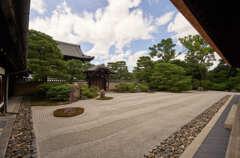 昨年の建仁寺の方丈の庭です。