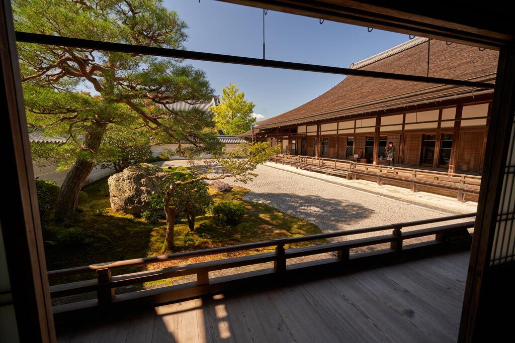 南禅寺の方丈と庭園。