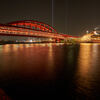 飛鳥II号と神戸大橋。