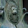 ライオンのレリーフ