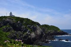 宗像大島 馬蹄岩から灯台を望む