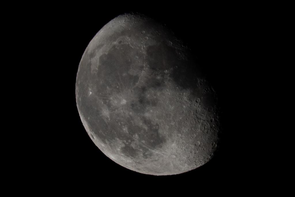 皆既月食じゃない月!