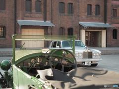 1921年製のベントレーと60年代のロールスロイス シルバーシャドウ・・・多分