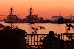 遠くを見つめて 横須賀の夕焼け