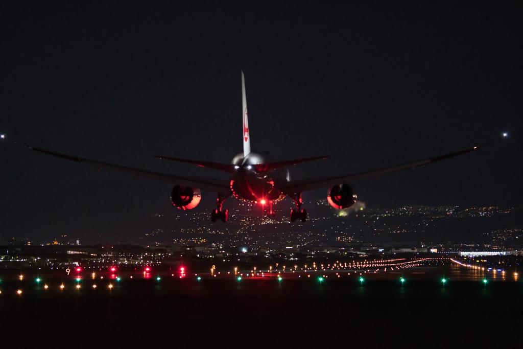 千里川から見る着陸機