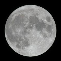 2021_10_20の満月を手持ちにてハンターズムーン