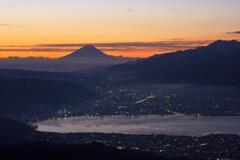 高ボッチ高原から 明け方の富士