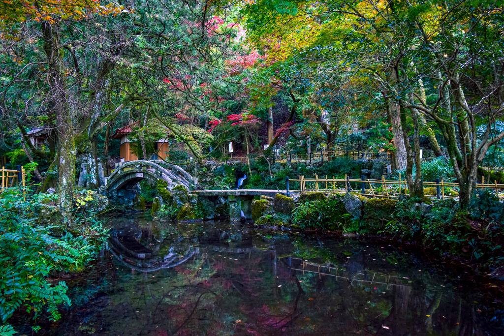 鳴谷山聖宝寺