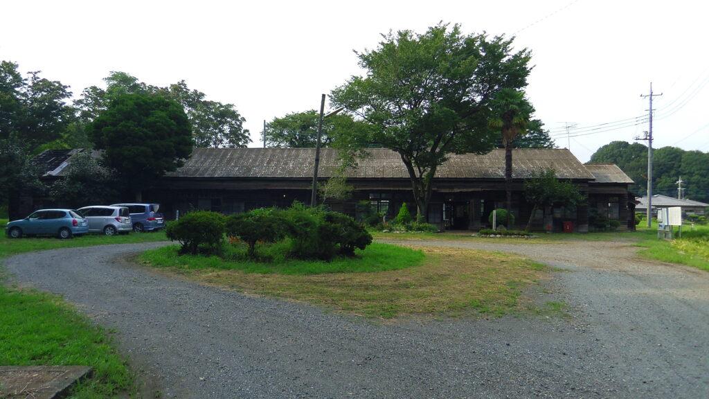 2013/09/07_熊谷陸軍飛行学校桶川分教場跡 営庭と宿舎
