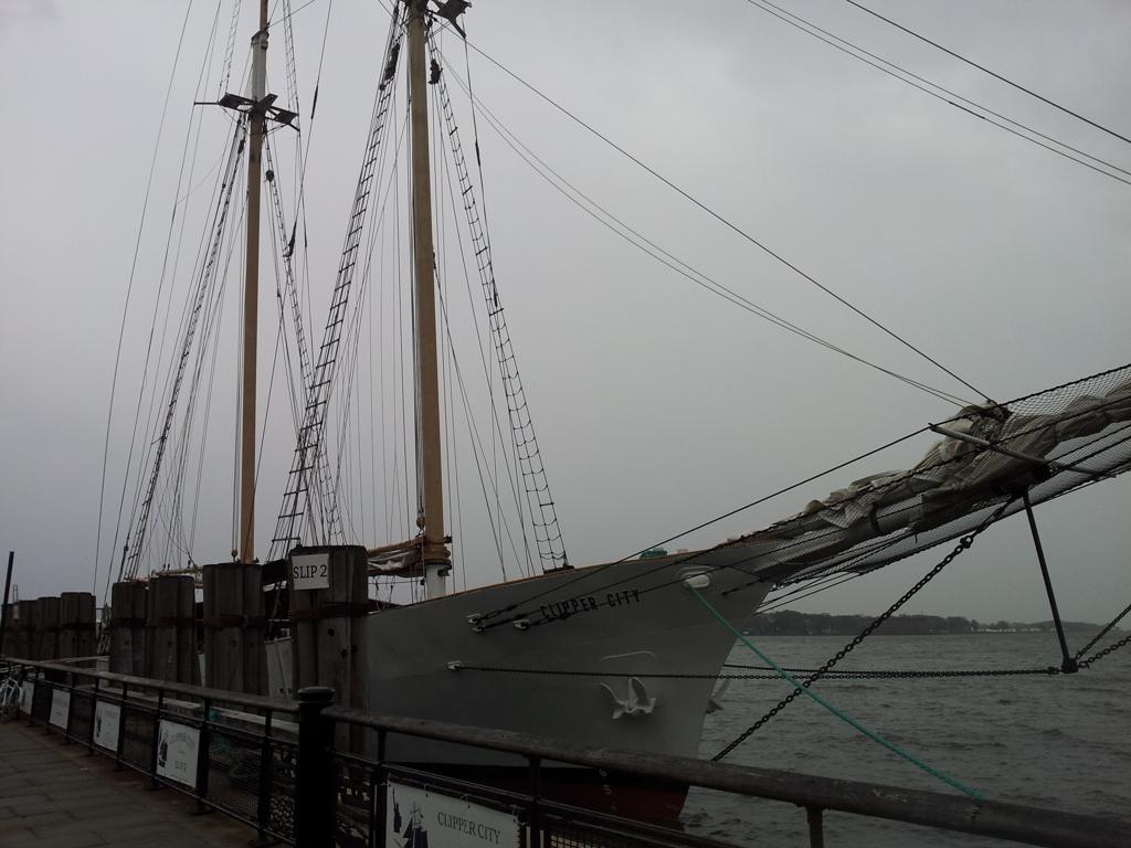 2019/06/16_バッテリー・パークに停泊中の帆船