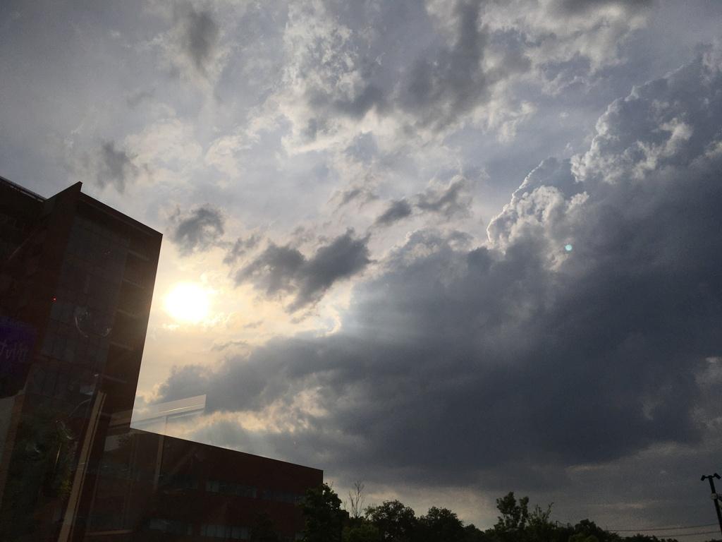 2020/06/15_西日と雲