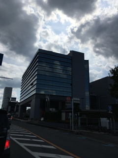 2020/08/02_上尾市役所に雲