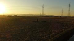 2013/11/30_夕暮れの田んぼの中の石碑