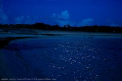 静かな夜の海