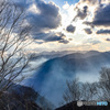 日光 半月山展望所下より眺める 空と霧とやまなみ