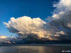 浦安363日前 雨上がり虹が出た日の虹の前の空