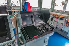 えのしま型掃海艇 3番艇 MSC-606 はつしま ブリッジ 機関砲コンソール