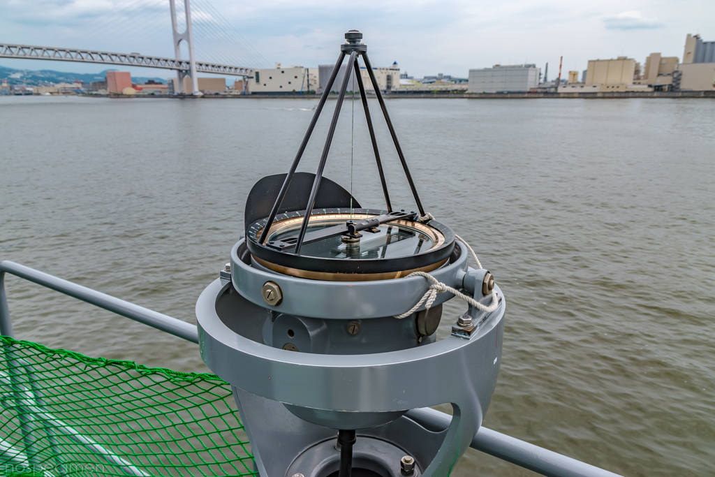 えのしま型掃海艇 3番艇 MSC-606 はつしま 右舷ウイング 方位盤
