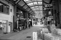 名古屋大須商店街の朝