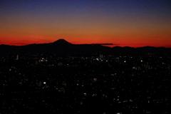 遠くに富士山‥