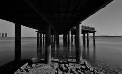 約束の橋の下