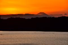 印旛沼より富士夕景
