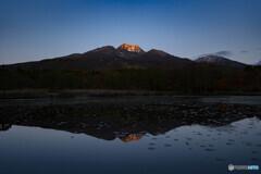 夜明けの妙高山