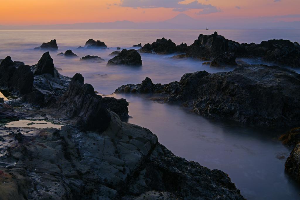 潮騒の夕景