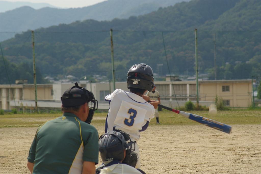 少年野球 レフトオーバー タイムリー3ベースヒット!