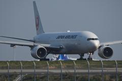 離陸前のJAL  B-777