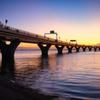 Aqua-Lineと東京湾の夕暮れ