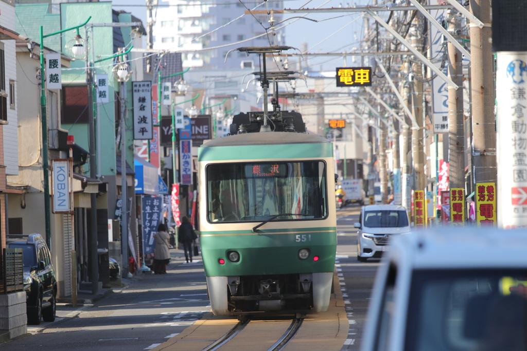 江ノ電 500形 腰越駅付近